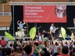 Més de 700 persones participen en la festa de presentació de la temporada d'espectacles de Vilafranca